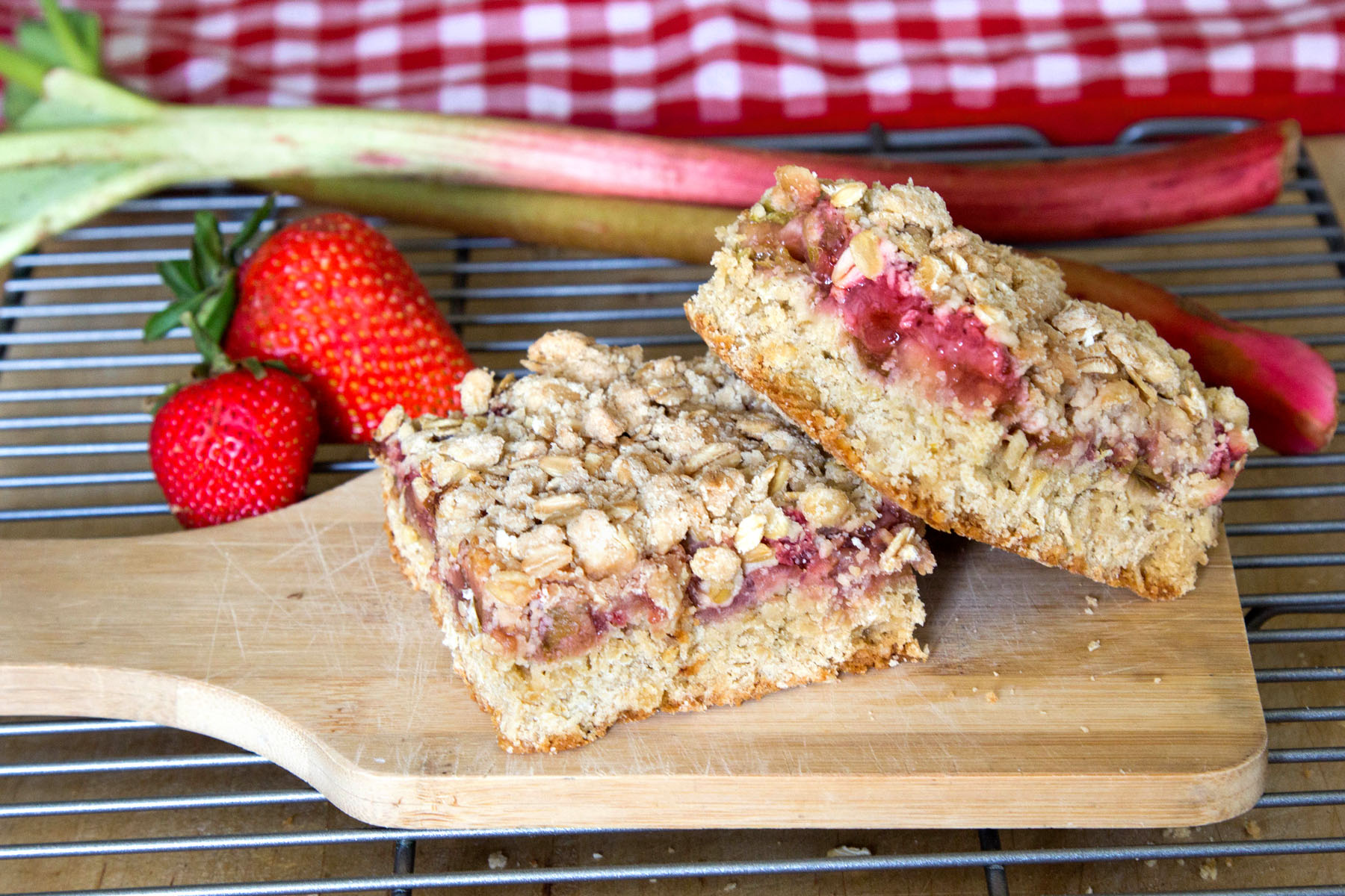 Strawberry Rhubarb Crumb Bars | sugarsnapsunset